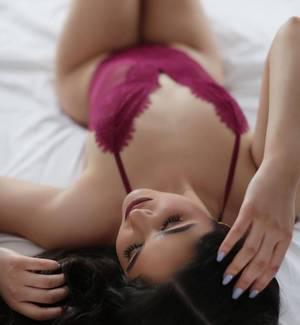 CIINTHYA REYNOSO CARIÑOSA AMABLE SENCILLA 100% REAL LLAMAME