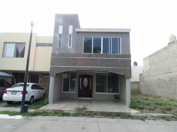 Casa en venta en el fracc. hacienda real
