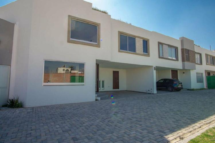 Preciosa casa nueva en venta desarrollo caoba, por