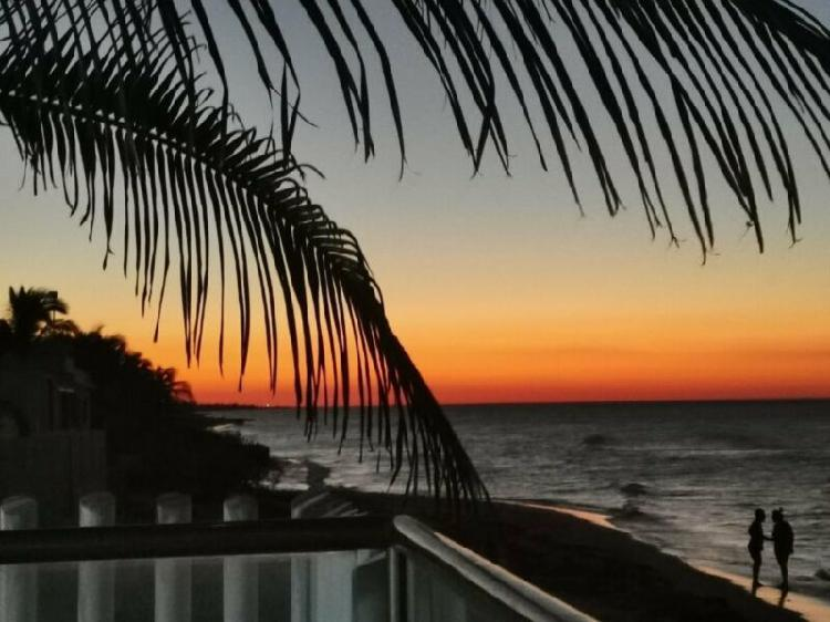 En venta hermosa casa frente al mar con muebles incluidos en