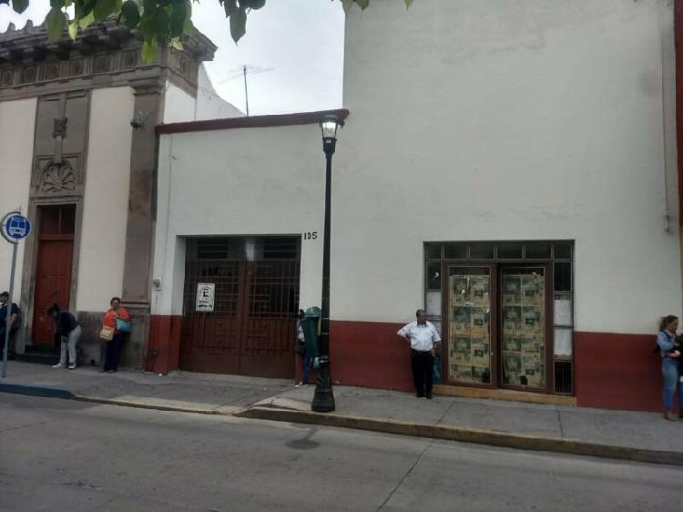Rento local para restaurante bar o cafe en calle emeteria
