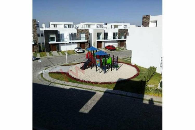 Renta casa nueva en lomas de angelópolis iii, parque