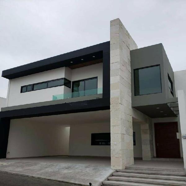 Casa en venta carretera nacional monterrey laderas privada