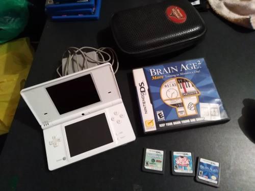 Nintendo dsi con juegos y funda excelentes