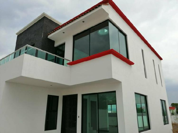 Casa en venta con gran terreno 4 recamaras,terraza,