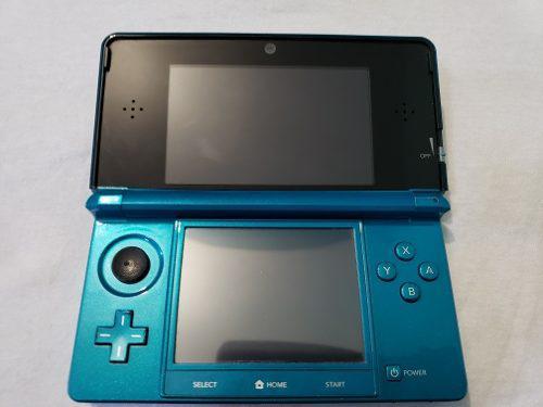 Nintendo 3ds con 8 juegos más accesorios (usado)