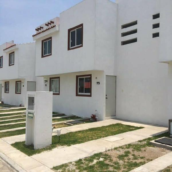 Renta casa 2 recamaras a 10 min plaza san diego y plaza