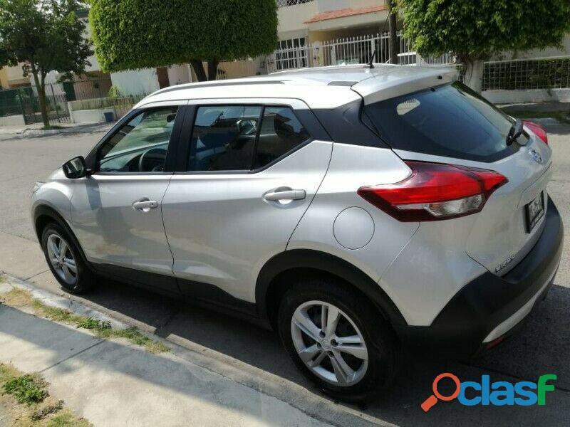 Nissan kicks impecable