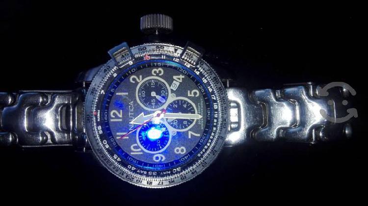 Reloj nautica suizo original muy bonito