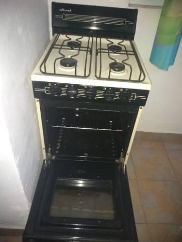 Refrigerador mabe 7 pies, estufa acroz 4 parrillas y horno