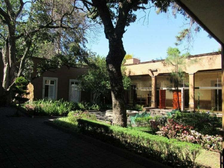 Casa con Uso de Suelo en Venta, Tlalpan!!