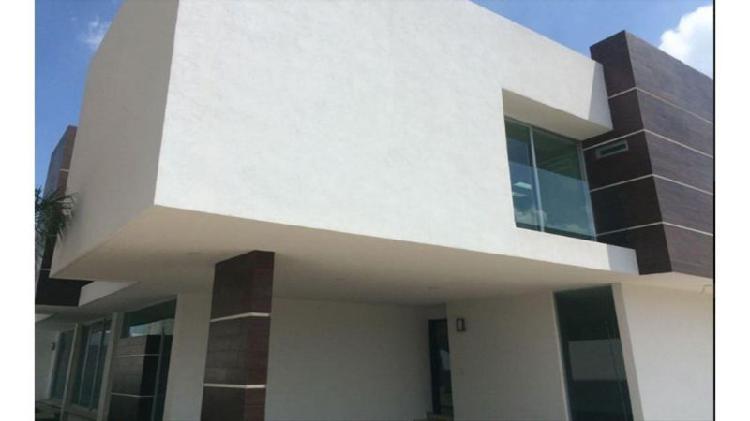 Casa venta. hermoso residencial en zona de mayor plusvalía