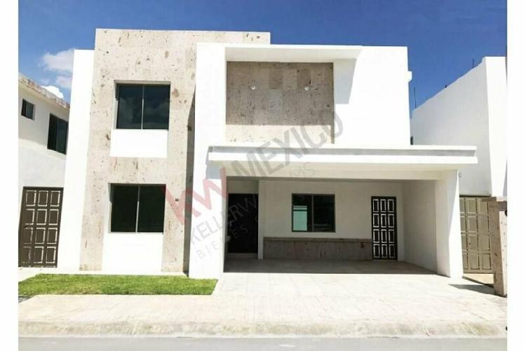 Casa en venta en fraccionamiento residencial al norte de