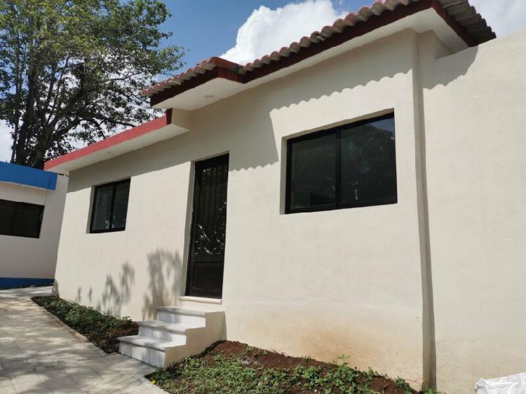Casa en colonia Toxpan