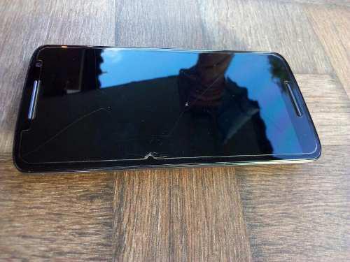 Motorola x play, para reparar, con falla en pantalla.