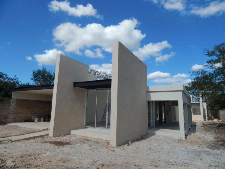 Casa en Venta una planta con acabados de lujo 1,000 m2 en