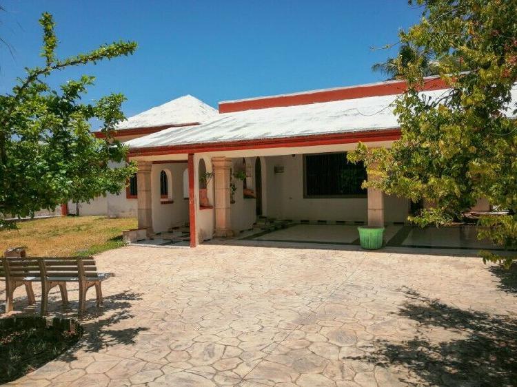 Casa en esquina en San Pedro Cholul