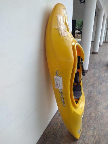 Kayak de río wave spot