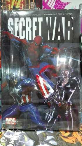 Marvel comics secret war avengers pasta dura deluxe