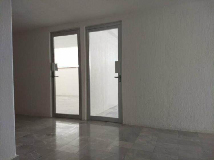 Renta de local u oficina de 75 m2 en centro cancún