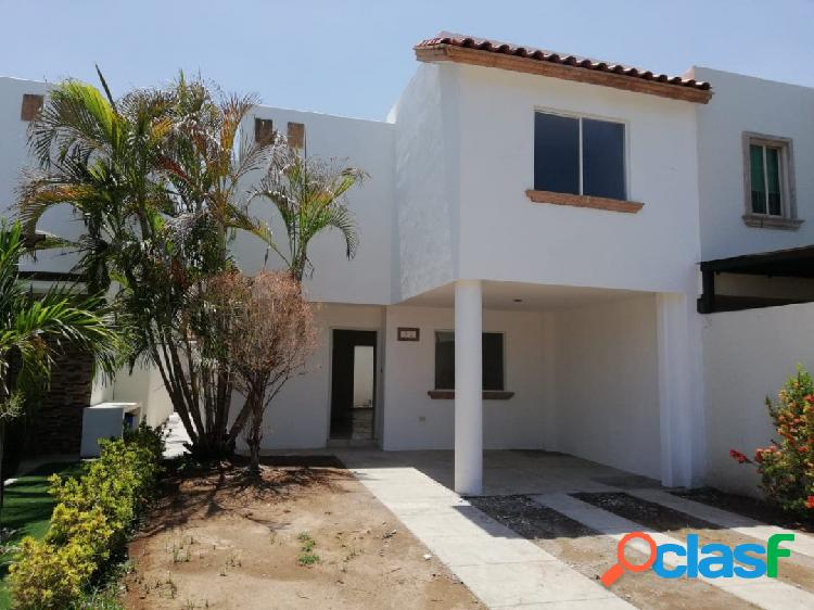 Se vende casa en real del alamo $1,950,000