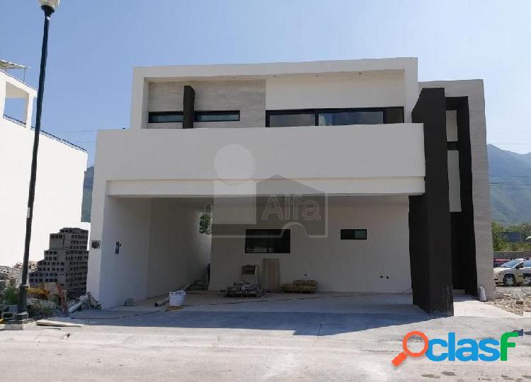 Casa en venta Col. Valle de Cristal, Carretera Nacional, Monterrey, N.L. 1