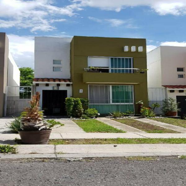 Casa en renta cerca de plazas outlet