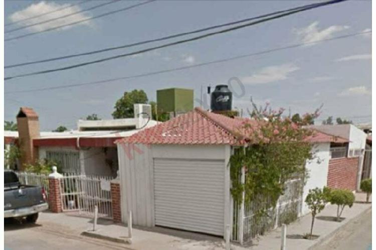 Se vende casa sobre blvd. salazar