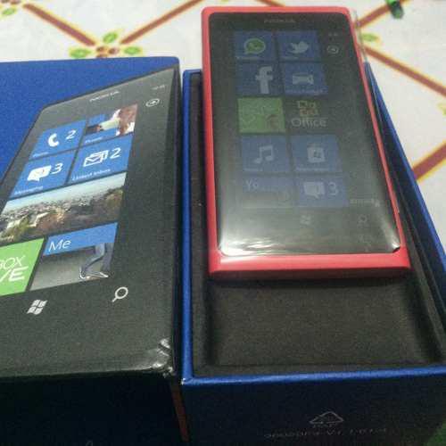 Nokia lumia 800 color rosa. nuevo.libre. $1999 con envio.