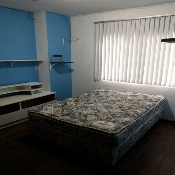 Rento habitación grande