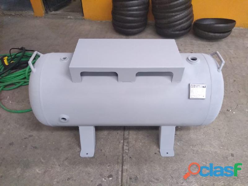Tanque de 235 lts horizontal con base diseñado a 200 lbs (neumático) marca multitanques de méxico