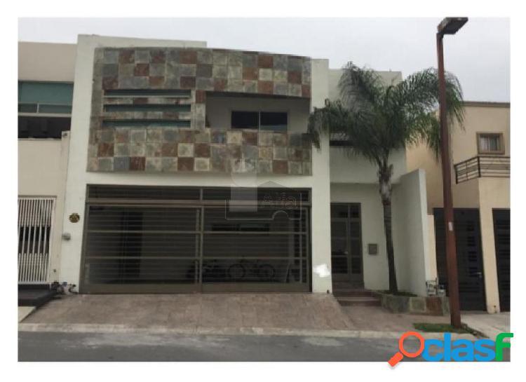 Casa sola en venta en Cumbres Santa Clara, Monterrey, Nuevo León
