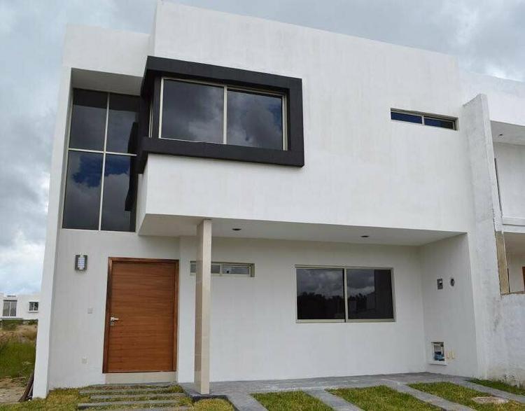 Casa de 4 habitaciones en coto argenta, zapopan /