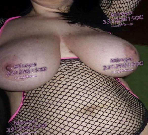 Mireya juega con mis lindo pechos desnudo total