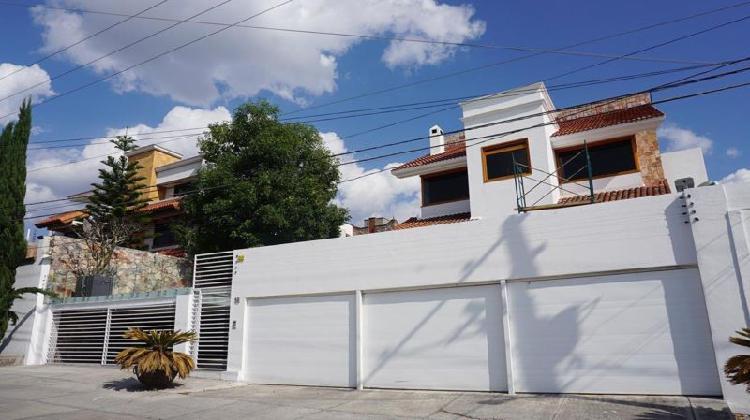 Casa en venta en la calera calle cerrada con vigilancia 24/7