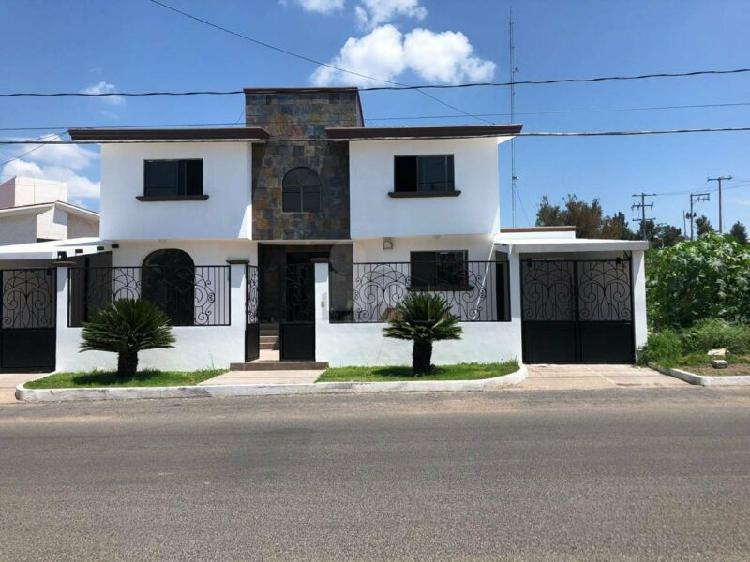 Casa sola en venta en villas de irapuato, irapuato,