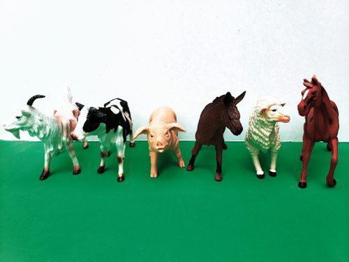 Set Con 6 Animales De La Granja Caballo Vaca Cerdo Realistas