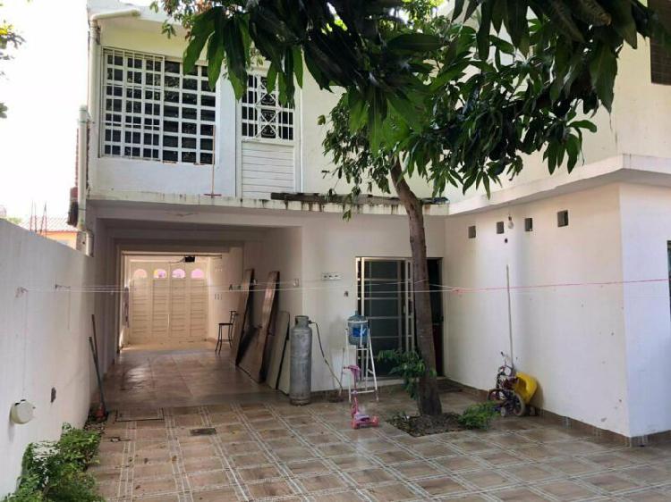 Casa en venta en la col paraiso zona nte pte cerca de casa