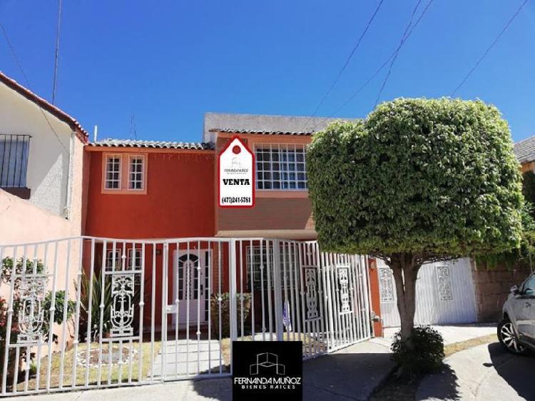 Casa para inversión en venta zona norte