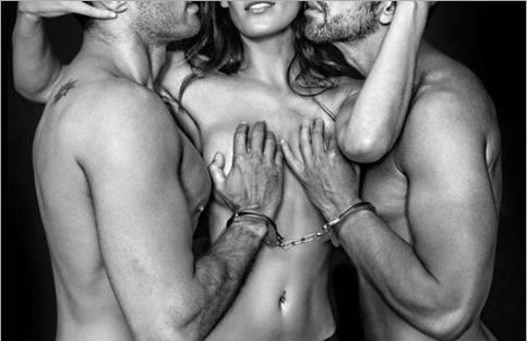 Somos un matrimonio joven buscamos trío hmh