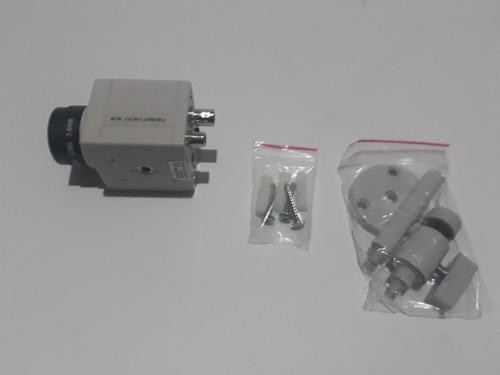 Kit camara b/n lente 3.6mm 400 tvl con brazo metalico