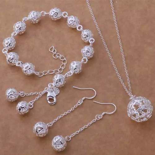 Set de collar aretes y pulsera de esfera elegante plata