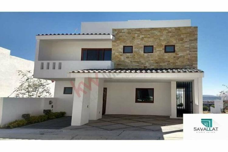 Preciosa casa en venta, cumbres del lago juriquilla,