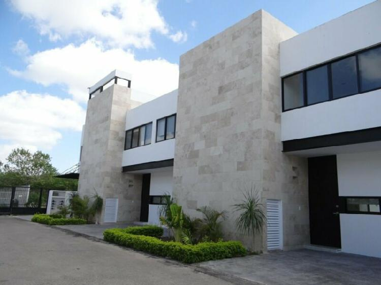 Venta de casa tipotown houses en altabrisa merida yucatan