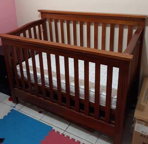 Cuna de madera para bebe seminueva