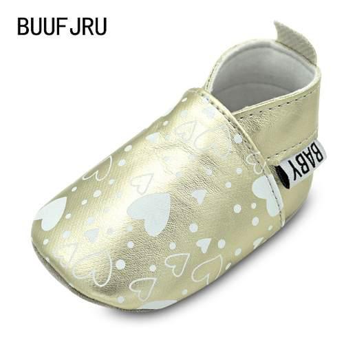 Zapatos para bebés cuero sintético con corazones