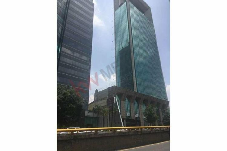 """Oficina en renta con espacio para 12 ejecutivos en """"torre"""