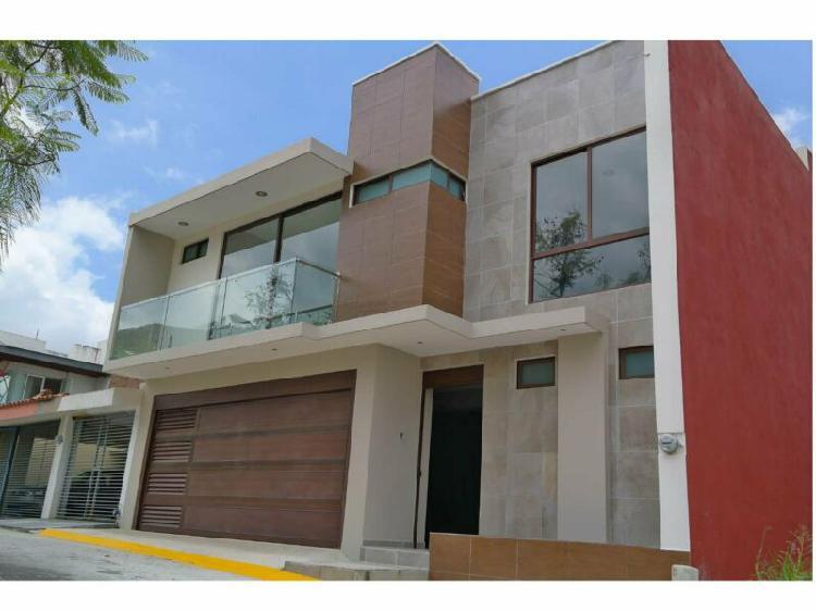 Casa en venta en xalapa de 3 recamaras con seguridad 24 hrs