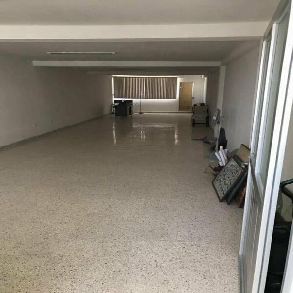 Se renta local en segundo piso en el centro de san juan del
