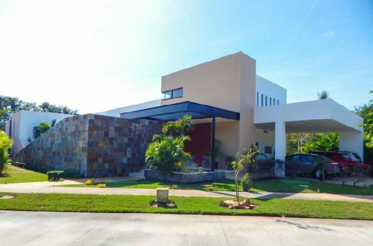 Casa en renta yucatan country club privada tumin